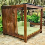 Outdoor Daybed. Mahogany